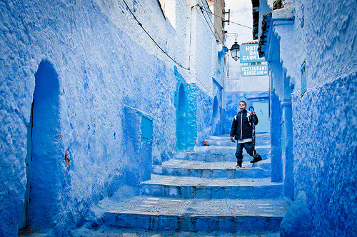 theworldwelivein:  blue alley (by Zanthia)