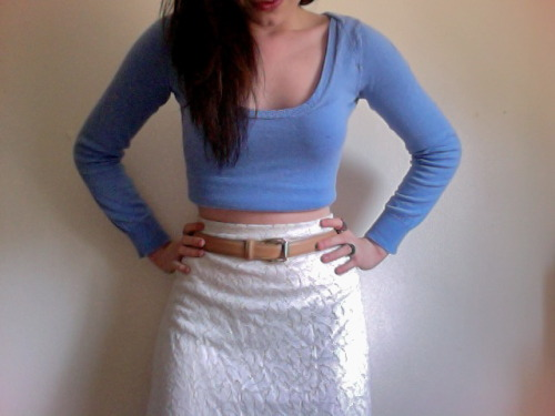 nicoleloher:  Lace skirt, leather belt, cropped sweater Taking heed of the one and only Oscar PR Girl (or Erika Bearman). Feeling the bare midriff lately.