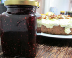 Blackberry, cranberry, strawberry, blueberry and raspberry apple jam. This is my second attempt at making jam. I was quite disappointed with the results of my first attempt and this one seems to have come out really nice this time around which is exciting. Here is the recipe: 500g berries or stone fruit of your choice2 green apples, cored and sliced very thinly1/2 cup  apple juice or water1/3 cup lemon juice  3 cups white sugar Putting it together:   Place all the ingredients into a saucepan. Stir over a low heat until sugar has dissolved and mixture is boiling. Continue to boil for 20 minutes or until thickened. Remove from heat and stand for 10 minutes. Spoon hot jam into hot sterilised jars. Seal and leave to cool. Store in a cool dry place. So easy!