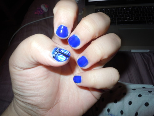 mollquill:  TARDIS nails…. my hands travel through time and space. ….that would have been funny if I tried….