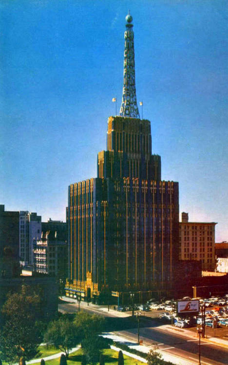The Richfield Oil Building in Los Angeles, CA - c. 1950s 1928 - 1969