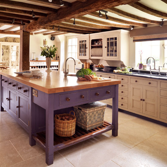 perfection! best kitchen i've seen, yet. i'm in love with this!
