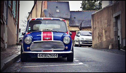 British pride Starring: Austin Mini Cooper (by Kevain666)