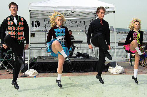 irishdancedownunder:  Irish Dancing - Peter Smith School of Irish Dance (by eveningsongserenade)  Those are my friendss! <3