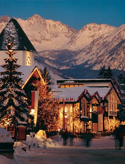 heartsatacarnival:  Vail, Colorado  beautiful. i'd love to come here for a long vacation!
