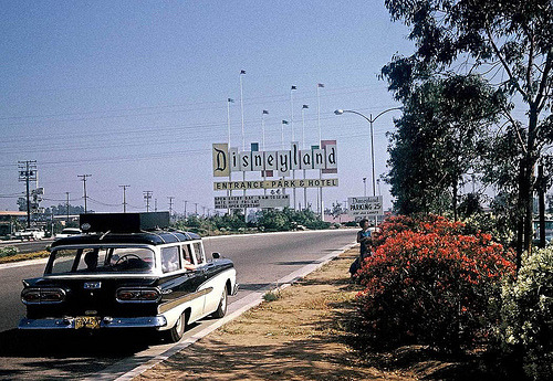 fuckyeahvintage-retro:  1960s Disneyland entrance. Parking: 25 cents.