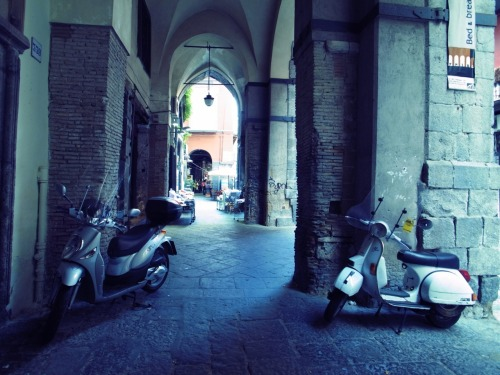 Scooters in Spaccanapoli.