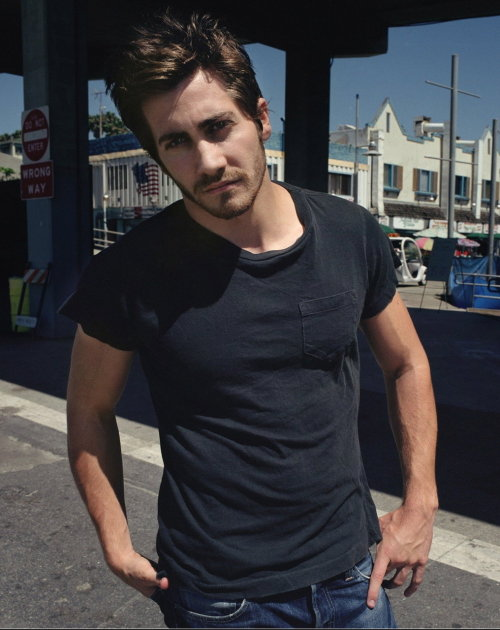 Jake Gyllenhaal are there any words to even explain this man? not really. just stare.