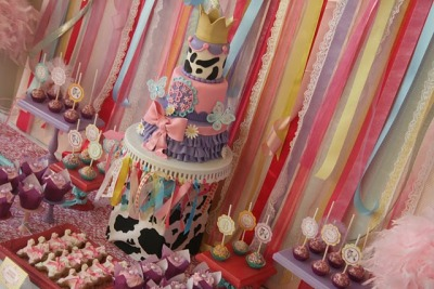Look at that Fancy Nancy Cake!!!  WOW!