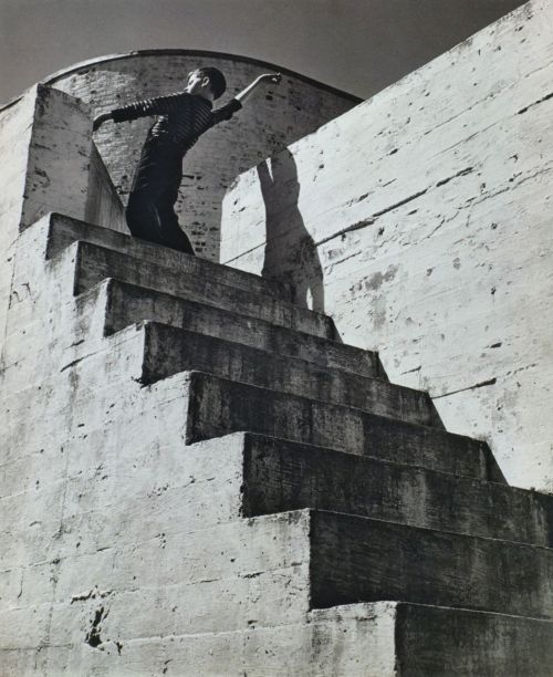 -via luzfosca:  Untitled, United States, 1941, photo by André Kertész Thanks to liquidnight