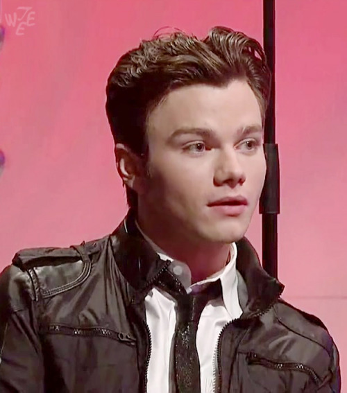tweewt:  (high-res) Chris Colfer! …We outta time.  Aw, his face <3