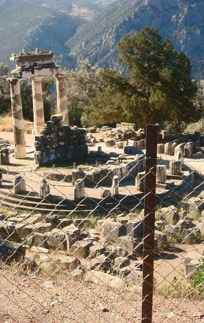 Delphi, Greece submitted by: http://modamusicaa.tumblr.com, thanks!