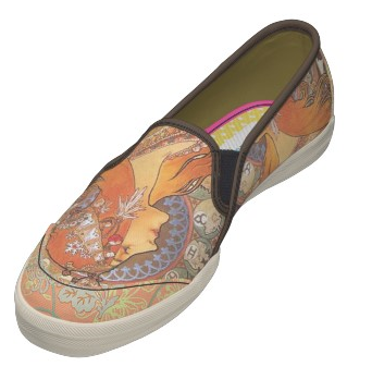 lolawhimsy:  I want these so badly. I love Mucha.