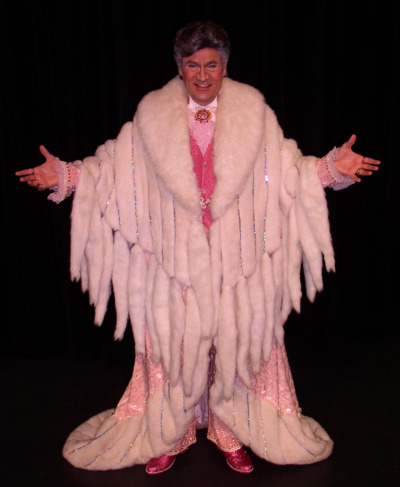 from retrogasm:  Happy Birthday Liberace (92) I have been to the Liberace Museum in Las Vegas and it was quite glitzy…  Miss you, old chum.