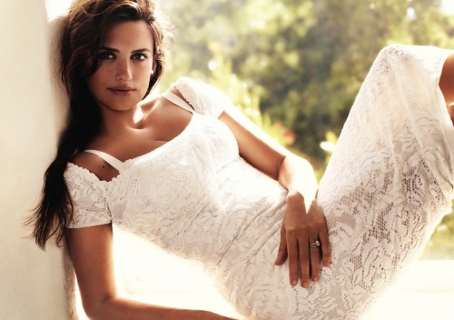 vogue: Penélope Cruz Photographed by Mario Testino for the June Issue of Vogue