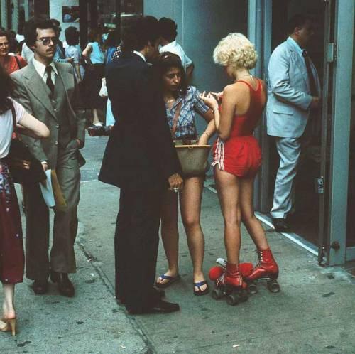 santosha65:  Midtown New York City in the summer time, 1979.  I wore pretty much exactly that rollerskating outfit in 1983. But I was five at the time.