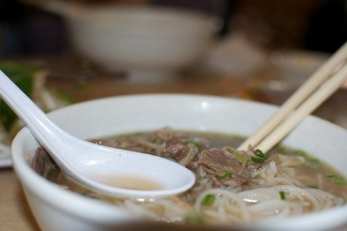 I like Phở with NO spring onion, for lunch.