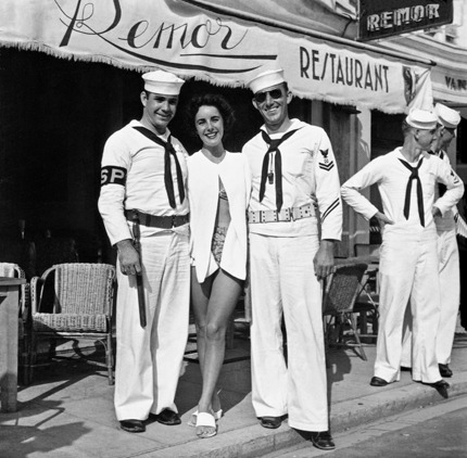 Hey, sailors! Elizabeth Taylor with Cannes fans. From the Traverso family's Cannes Cinema.