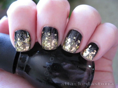attackedastoria:  my nails were quite sparkly today.