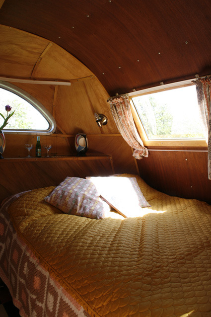 ok-so:  I am in love with vintage caravans and sunlight through windows
