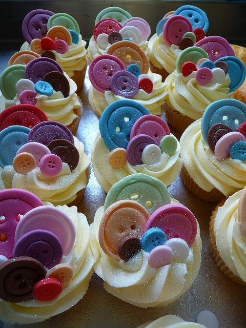 Cute as a button cupcakes!