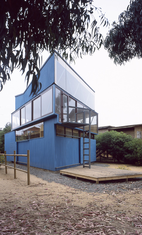subtilitas:  DRN Arquitectos - Blue house, Maitencillo 2010 (next door to this house).