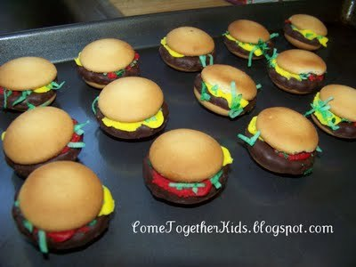 Tutorial for hamburger cookies.  No cooking, kids can do it themselves!