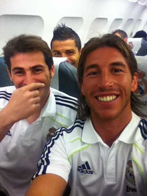 bluenicole:  Sergio with Iker…and Cris creeping in the back…  THEM :3
