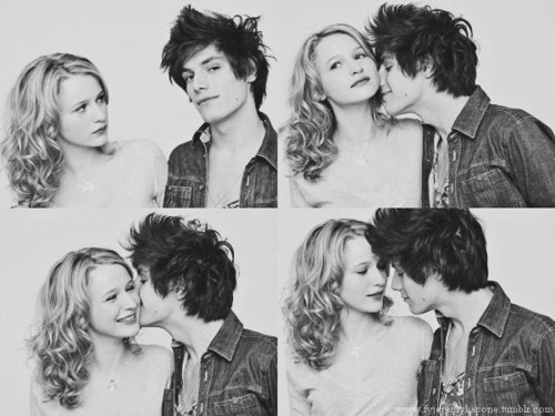 unepetiteabeille:  LOL (movie). Jérémy Kapone et Christa Theret