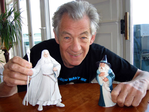 actorswithactionfigures:  Sir Ian McKellen with a figurine of GANDALF THE WHITE and the old animated HOBBIT version of Gandalf The Grey. (via McKellen.com)   OMG. Actors playing with their own action figures. This is relevant to my interests. And I am now done with the internet. Good job.