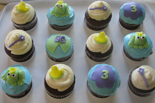 Princess and the Frog (by Lynlee's Petite Cakes)