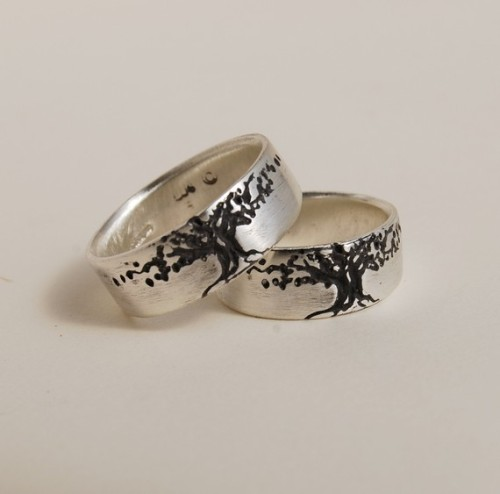 Why can these not be our wedding bands? Husband and I both adore tree designs like this.