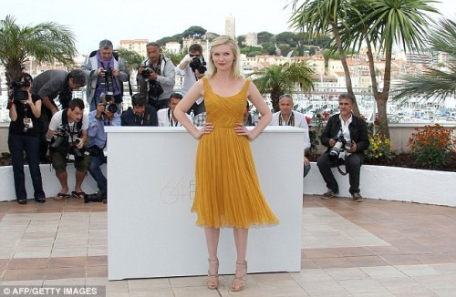 i don't usually enjoy kirsten dunst, but…that DRESS!