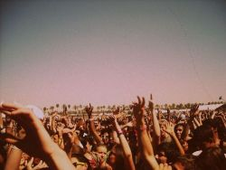 People, show, summer, music, dance, fun.