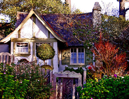 sunsurfer:  Garden Cottage, Devonshire, England  photo via liveinternet