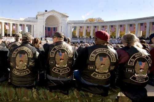 semper-fi-centeno:  militaryheroes:  Veterans from the Marines, Air Force, Army and Navy attend a Veteran's Day ceremony at the Tomb of the Unknown Soldier at Arlington National Cemetery in Arlington, Va., Nov. 11, 2010. DOD photo by Cherie Cullen