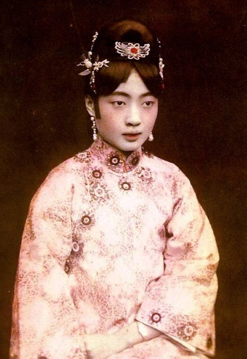 Empress Gobele Wan-Rong, last Empress of China