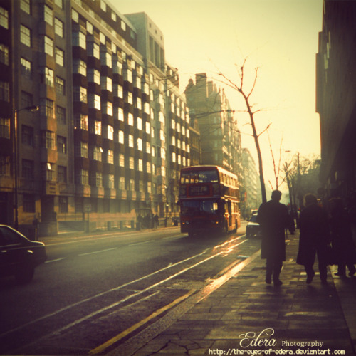 "maurautius:  ""London, Early in the Morning"" by Phoenix Graphix Studio Wish I was back in London. Such a neat city."
