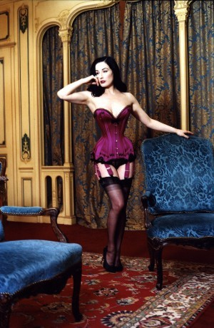 I got a lot more requests for Dita images overnight Here's one of my fave sets…of Dita von Teese in a Mr. Pearl corset.
