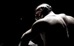 mrzombiedogproductions:  First Image of Tom Hardy as Bane in The Dark Knight Rises. The anticipation begins…   zomggg cant waittt