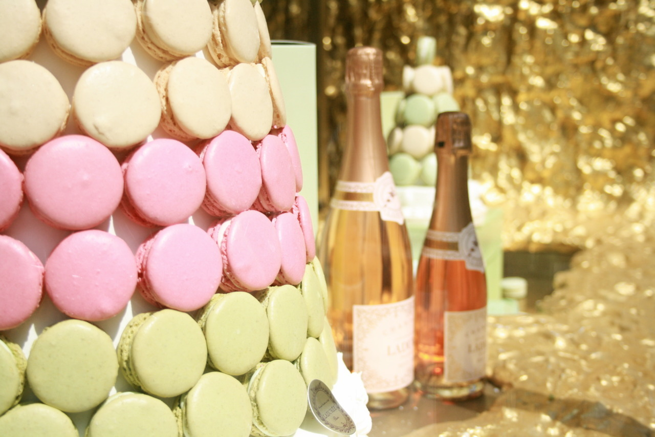 Laduree: the girly gourmand Mecca (Burlington Arcade, Piccadilly, London)