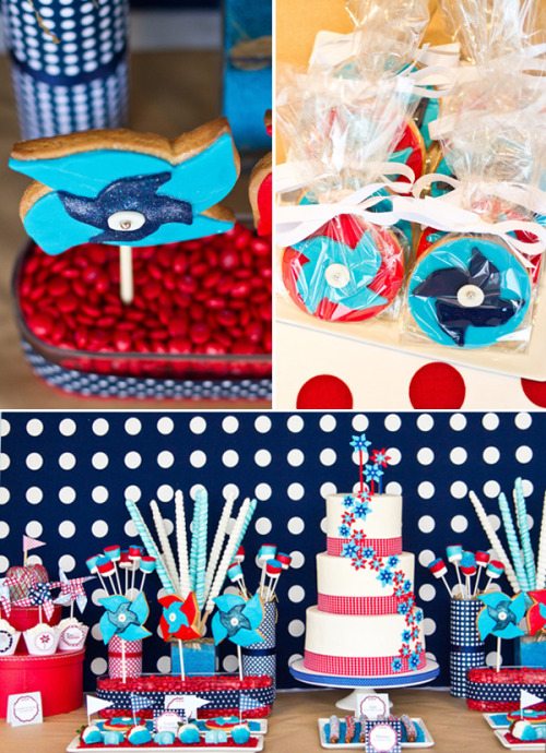 (via Fabulous 4th of July Pinwheels Party // Hostess with the Mostess®)