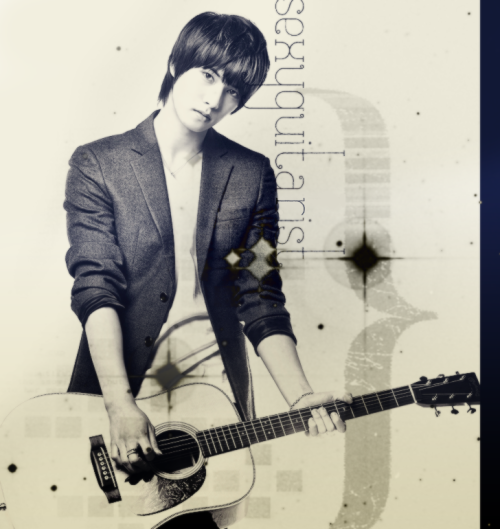 sexyguitarist:  :) I kinda love this :) edit: fixed sexyguitarist :)