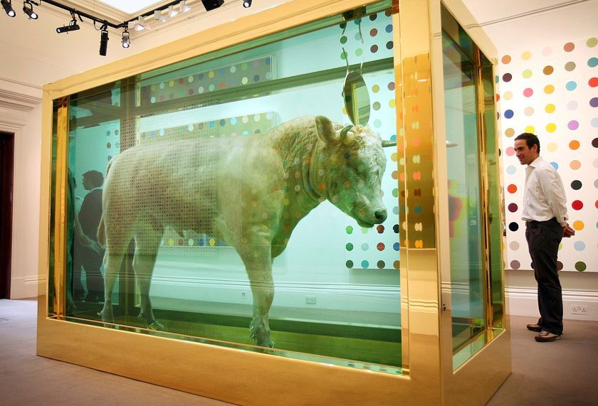 Damien Hirst - Golden Calf