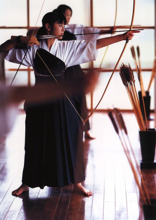 "redcigar:  boxofjapan:  Kyudo, Japanese archery  Sport of the Badass.   Man, if PE was like this in Highschool then I would have actually participated instead of conveniently ""forgetting"" my uniform every week."