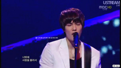 jonghyunin:  Jonghyun in 110521 Mucore - Don't say Goodbye I envy you Jonghyun~why You have eyelash more than me ><