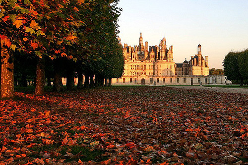 Chateau de Chambord in autumn (by Alain G. Harvey)