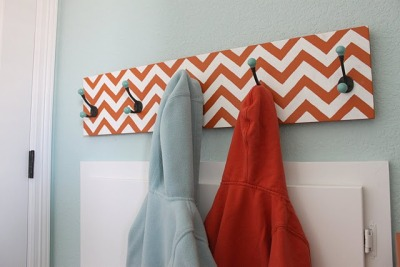 (via The Sweet Survival: Chevron Hook Rack)