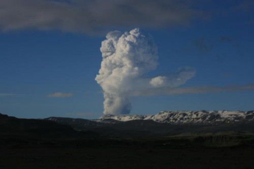 soupsoup:  The first picture of the plume rising above @grimsvotn volcano in Vatnajokull. Image from Hotel Nupur via @hjortur  Despite how messy that looks, reports suggest that it will not have a serious effect on the atmosphere like the eruption of the Eyjafjallajokul volcano did last year.