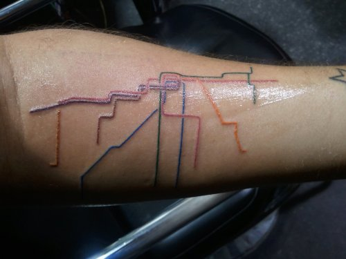 fuckyeahtattoos:  I absolutely LOVE Chicago. It makes me so extremely happy and proud to call myself a citizen of this amazing city.  I got this because, not only is it such a staple of Chicago, but also because fellow Chicagoans can recognize it immediately.  This was done by Jerome at Tatu Tattoo in Chicago, IL. By far the best tattoo artist I've ever had!